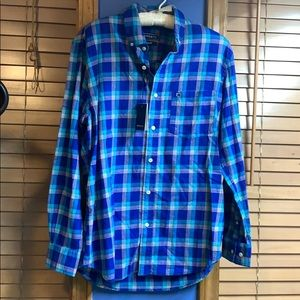 Crown and ivy classic fit plaid shirt size small